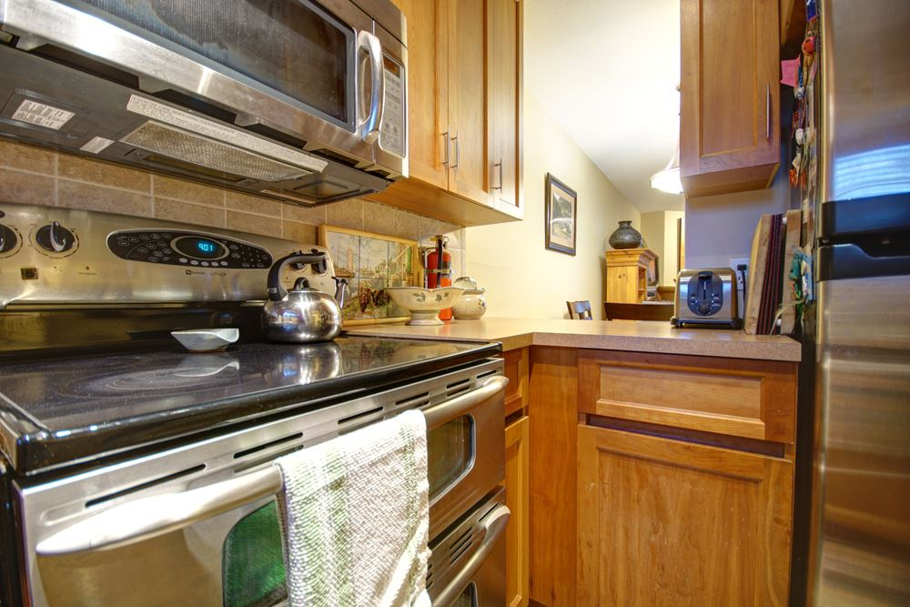 Townhouse at 104 3753 W 10TH AVENUE, Unit 104, Vancouver West, British Columbia. Image 2