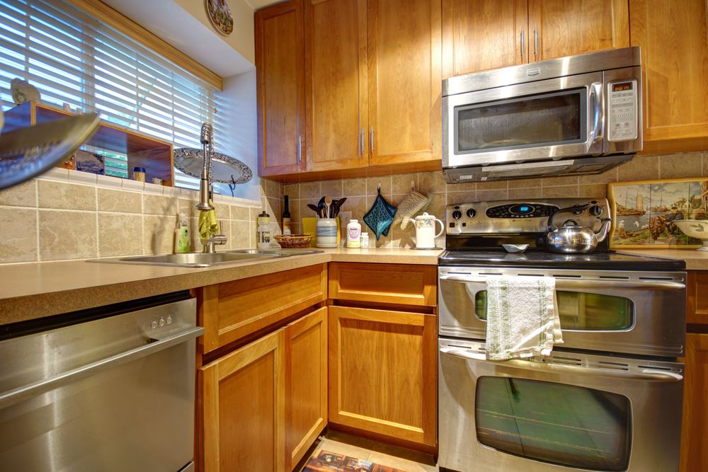 Townhouse at 104 3753 W 10TH AVENUE, Unit 104, Vancouver West, British Columbia. Image 3