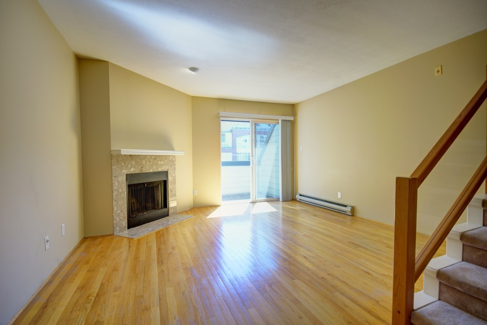 Townhouse at 104 3753 W 10TH AVENUE, Unit 104, Vancouver West, British Columbia. Image 11