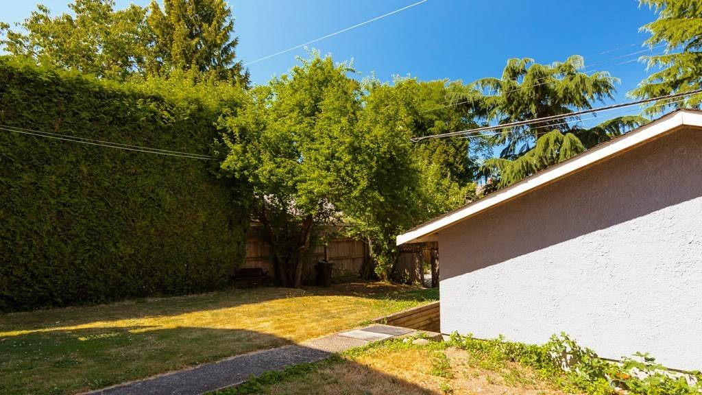 Detached at 1957 W 37TH AVENUE, Vancouver West, British Columbia. Image 18