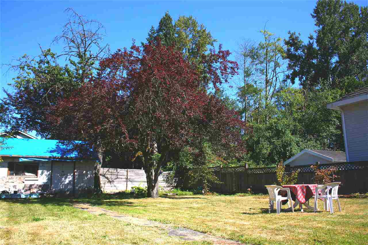 Detached at 9884 138 STREET, North Surrey, British Columbia. Image 13