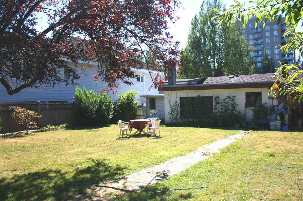 Detached at 9884 138 STREET, North Surrey, British Columbia. Image 14