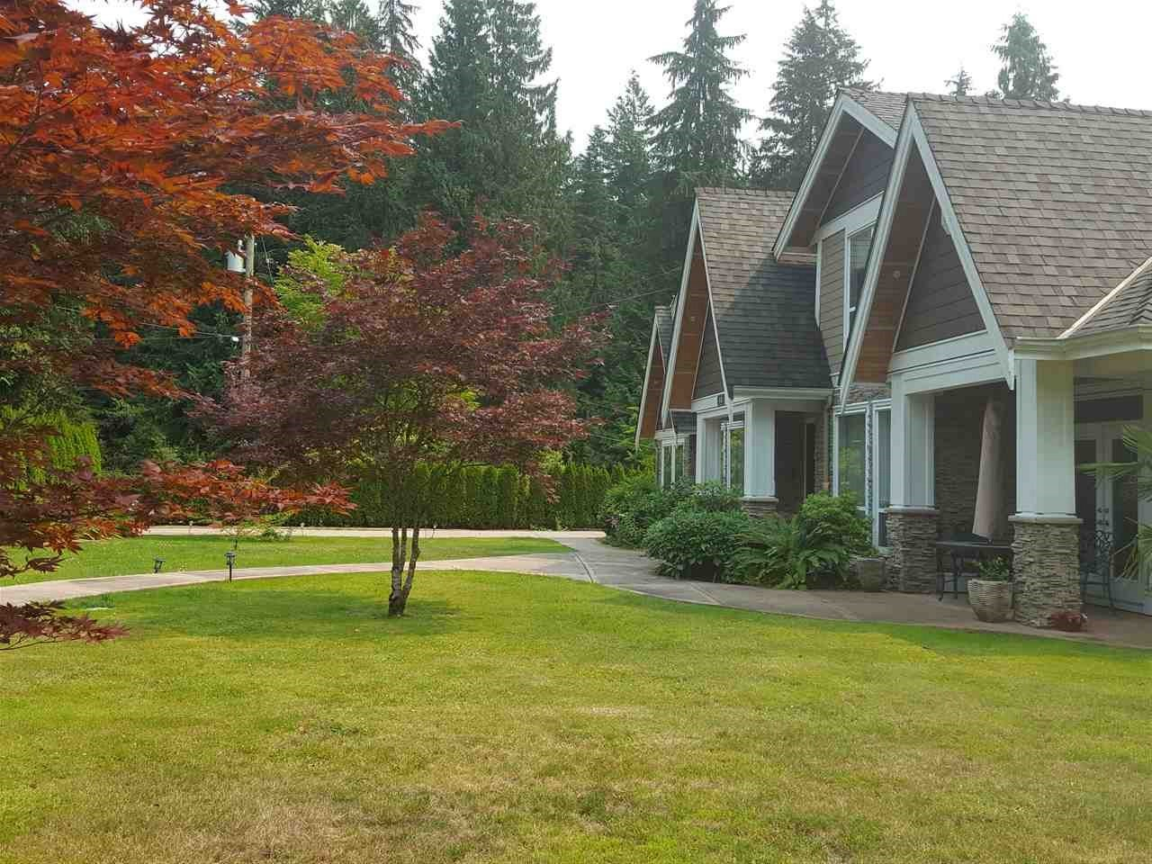 Detached at 316 MOYNE DRIVE, West Vancouver, British Columbia. Image 1