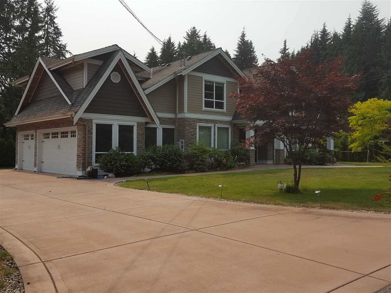 Detached at 316 MOYNE DRIVE, West Vancouver, British Columbia. Image 2