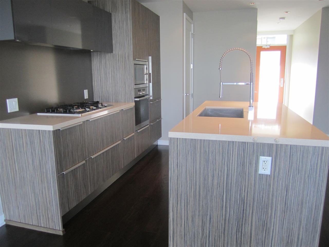 Condo Apartment at 405 12 ATHLETES WAY, Unit 405, Vancouver West, British Columbia. Image 3