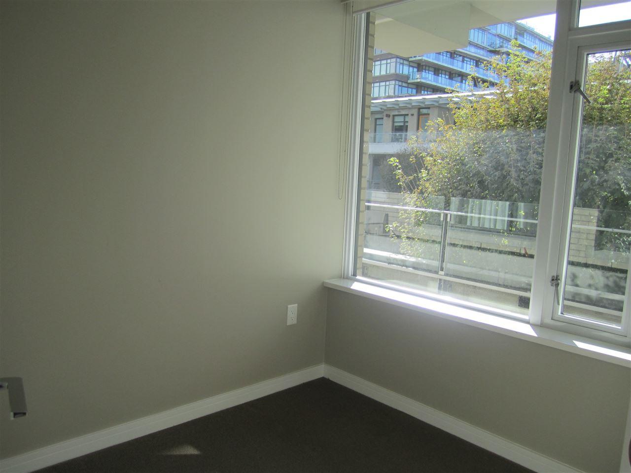 Condo Apartment at 405 12 ATHLETES WAY, Unit 405, Vancouver West, British Columbia. Image 6