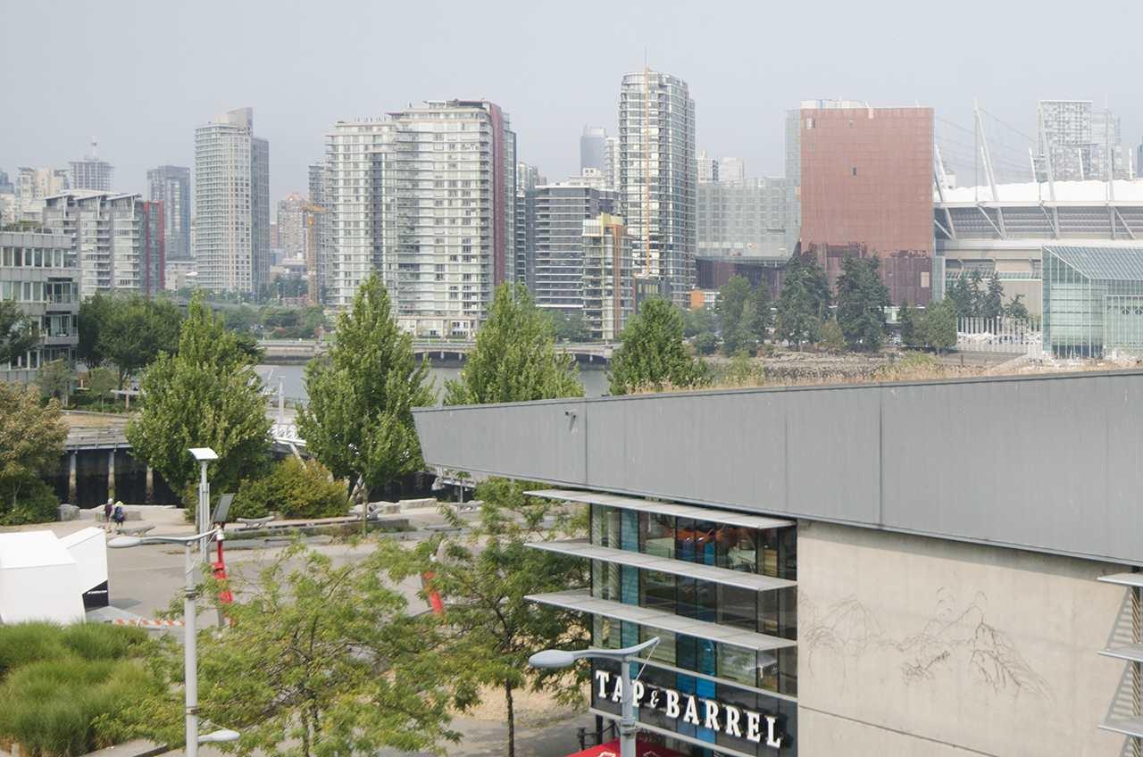 Condo Apartment at 405 12 ATHLETES WAY, Unit 405, Vancouver West, British Columbia. Image 11