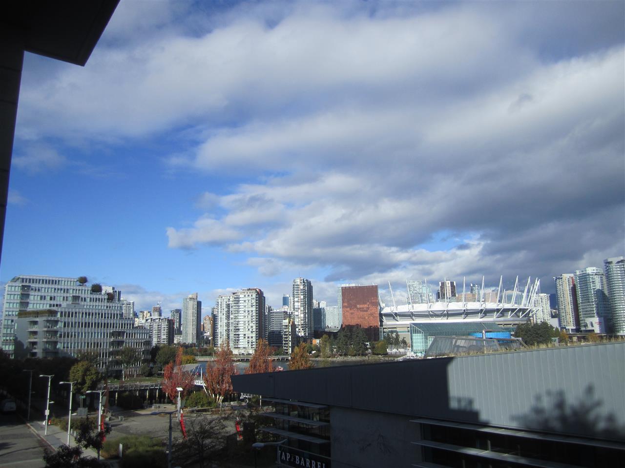 Condo Apartment at 405 12 ATHLETES WAY, Unit 405, Vancouver West, British Columbia. Image 13