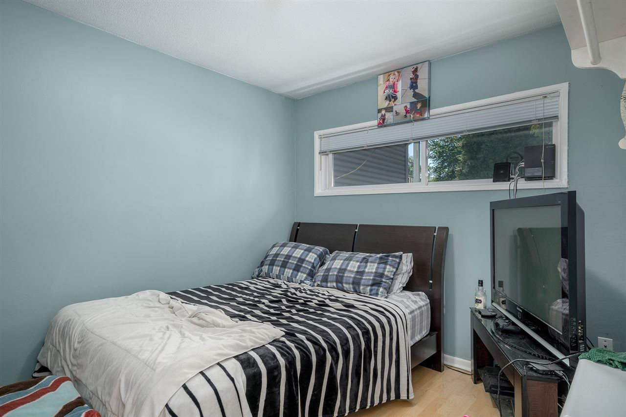 Detached at 7728 ROSEWOOD STREET, Burnaby South, British Columbia. Image 6