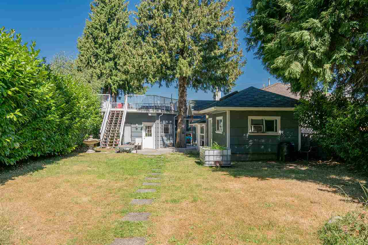 Detached at 7728 ROSEWOOD STREET, Burnaby South, British Columbia. Image 16