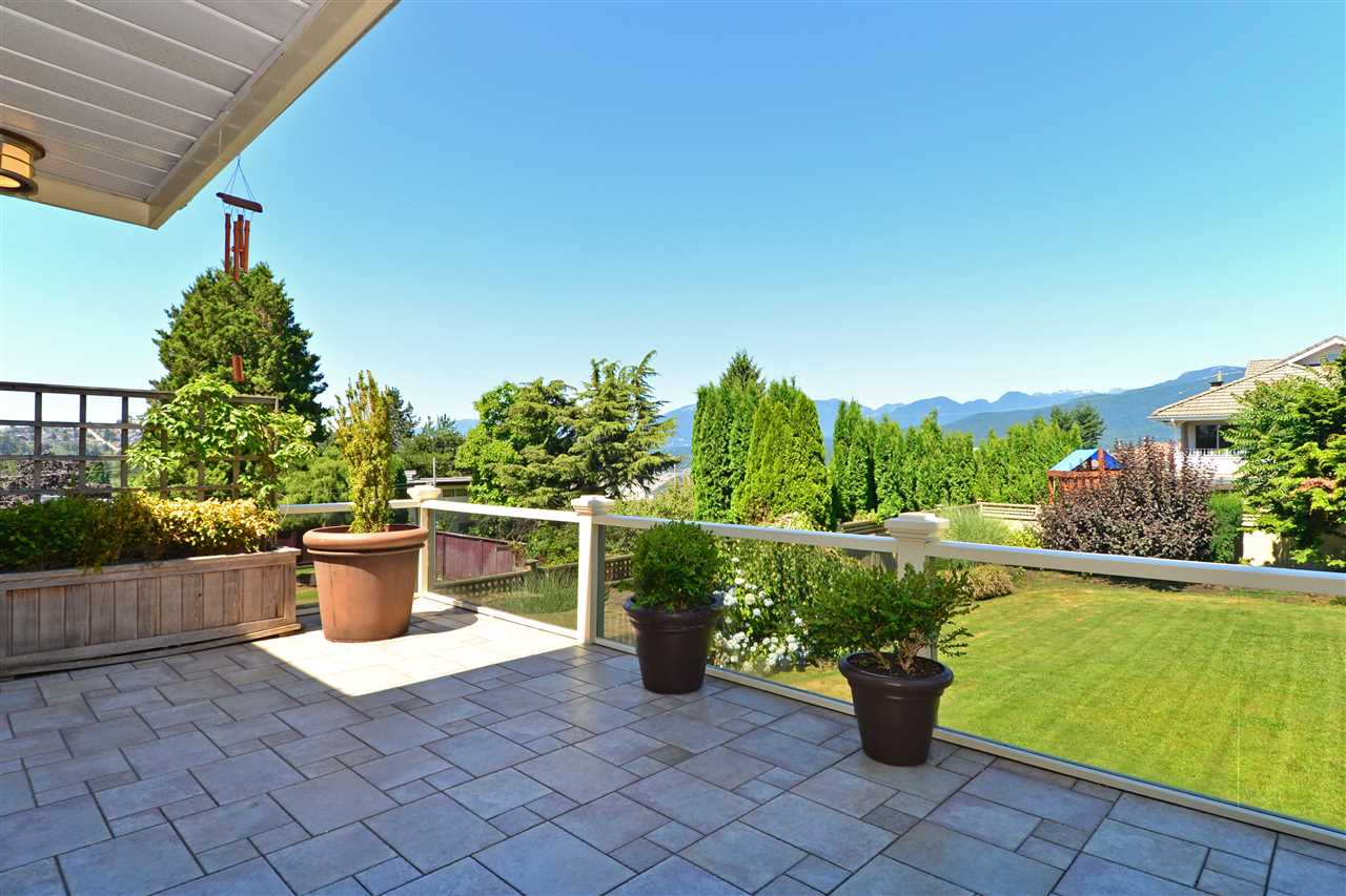 Detached at 7117 RIDGEVIEW DRIVE, Burnaby North, British Columbia. Image 10
