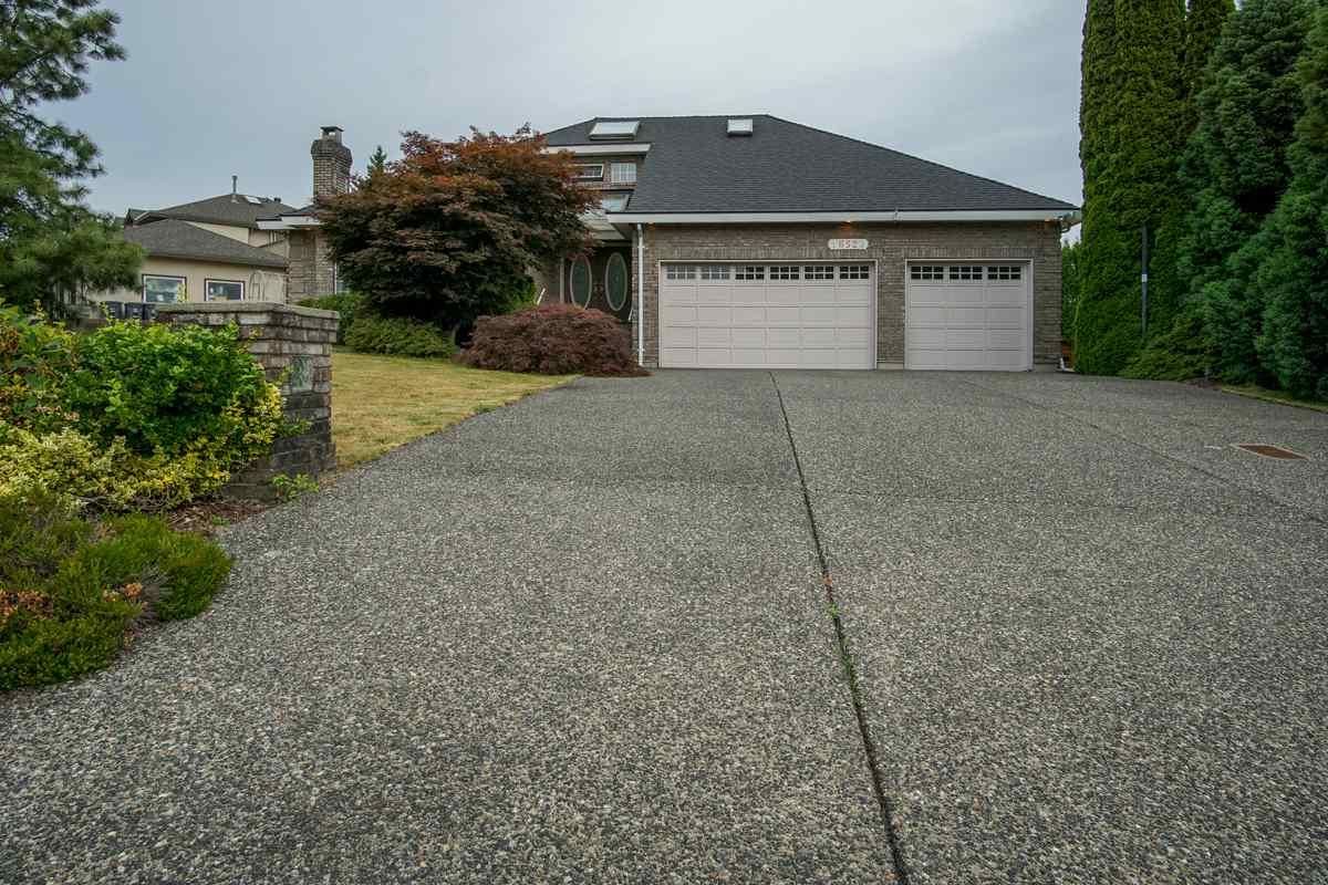 Detached at 16523 86A AVENUE, Surrey, British Columbia. Image 1