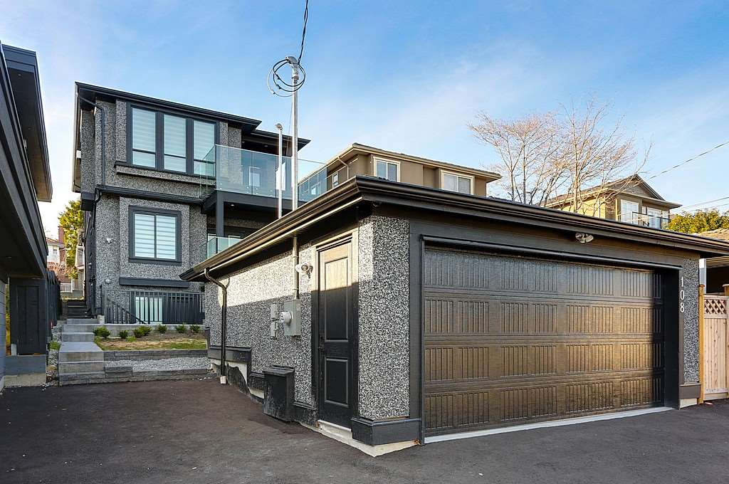Detached at 108 SEA AVENUE, Burnaby North, British Columbia. Image 20