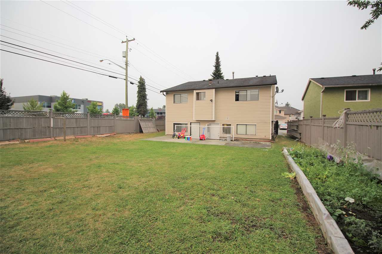 Detached at 7999 126A STREET, Surrey, British Columbia. Image 18