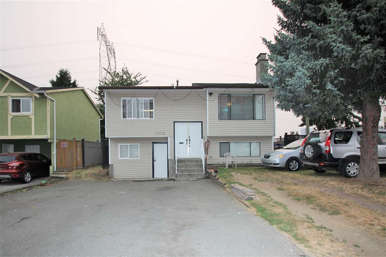 Detached at 7999 126A STREET, Surrey, British Columbia. Image 20