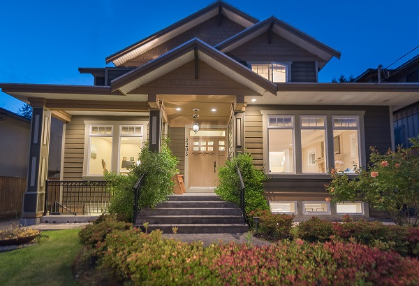 Detached at 2293 FULTON AVENUE, West Vancouver, British Columbia. Image 2
