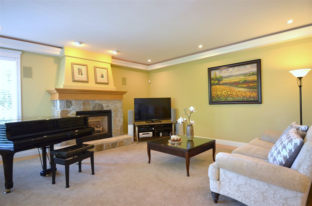Detached at 2067 138A STREET, South Surrey White Rock, British Columbia. Image 12