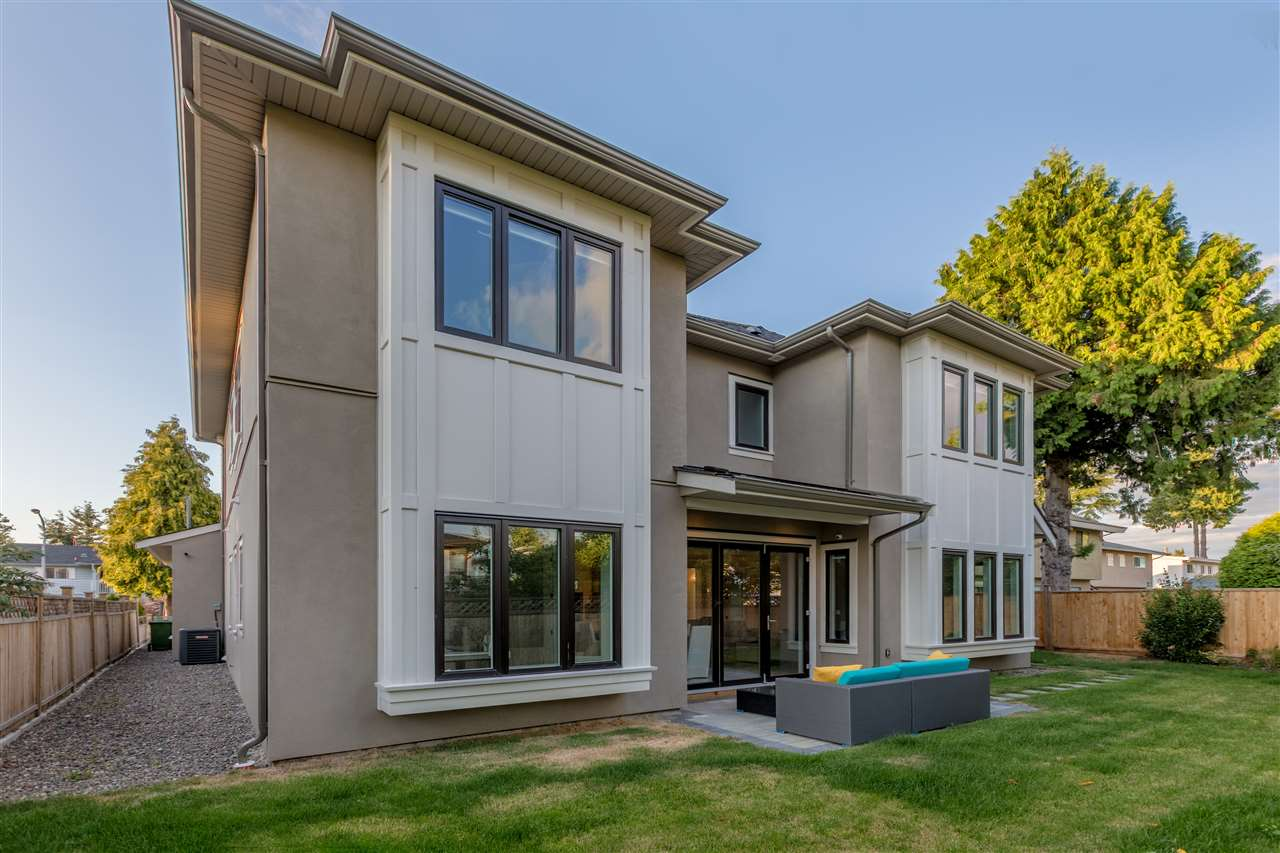 Detached at 8400 GREENFIELD DRIVE, Richmond, British Columbia. Image 10