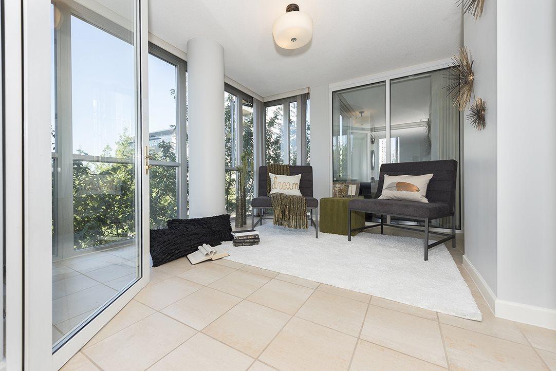Condo Apartment at 301 1288 MARINASIDE CRESCENT, Unit 301, Vancouver West, British Columbia. Image 2