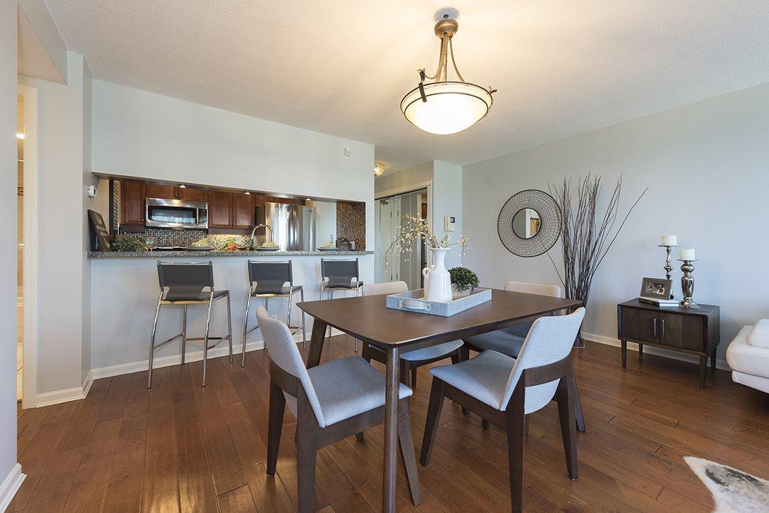 Condo Apartment at 301 1288 MARINASIDE CRESCENT, Unit 301, Vancouver West, British Columbia. Image 4