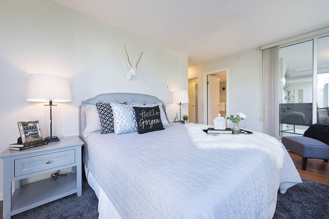 Condo Apartment at 301 1288 MARINASIDE CRESCENT, Unit 301, Vancouver West, British Columbia. Image 9