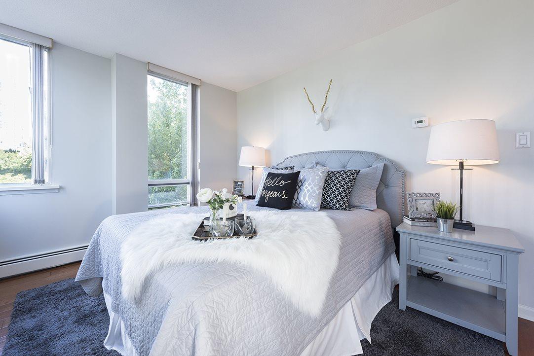 Condo Apartment at 301 1288 MARINASIDE CRESCENT, Unit 301, Vancouver West, British Columbia. Image 10