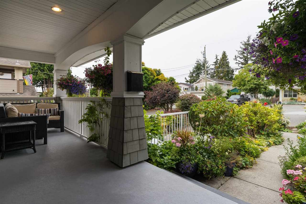 Detached at 942 MAPLE STREET, South Surrey White Rock, British Columbia. Image 3