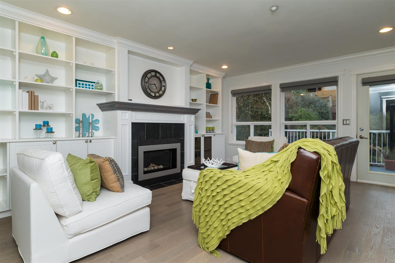 Detached at 942 MAPLE STREET, South Surrey White Rock, British Columbia. Image 12
