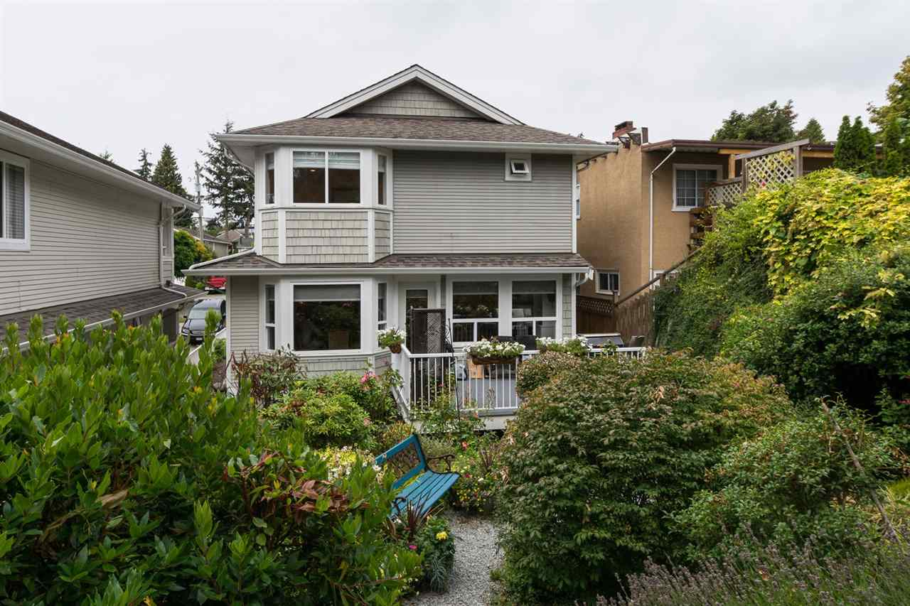 Detached at 942 MAPLE STREET, South Surrey White Rock, British Columbia. Image 19