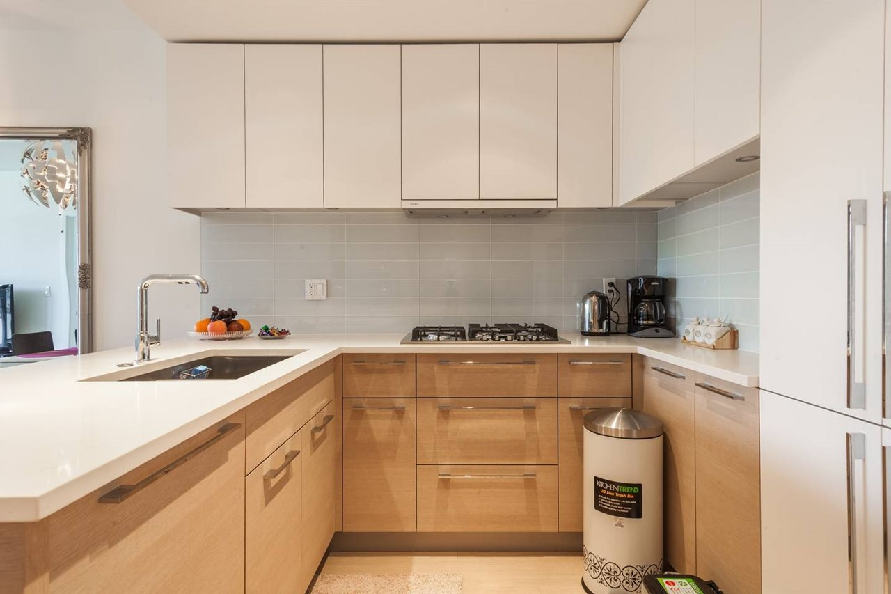 Condo Apartment at 908 1188 PINETREE WAY, Unit 908, Coquitlam, British Columbia. Image 3