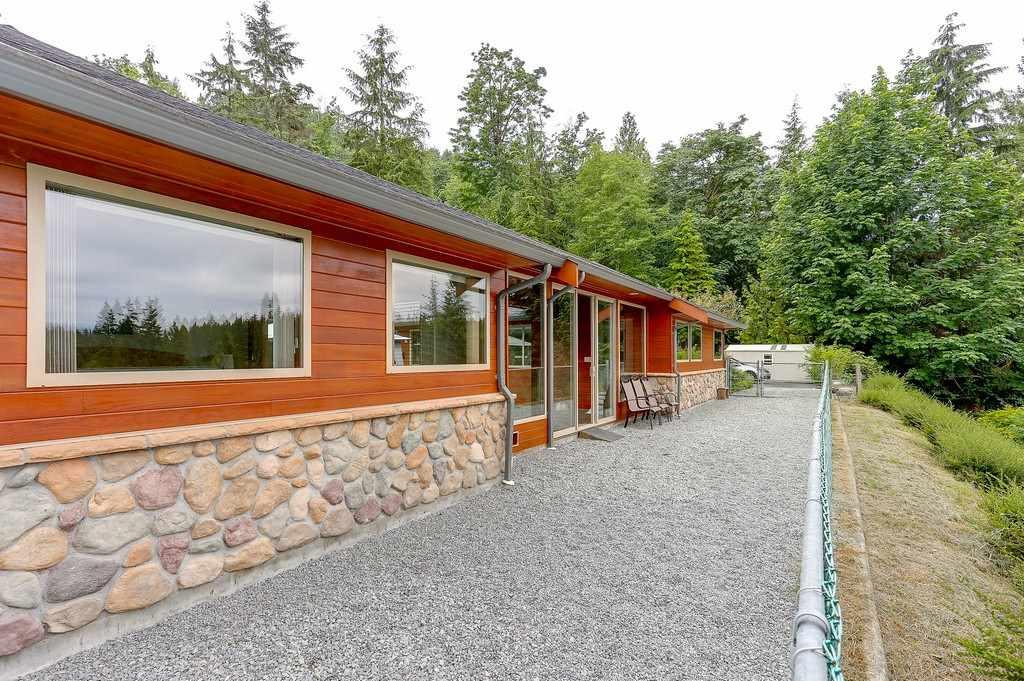 Detached at 26796 CUNNINGHAM AVENUE, Maple Ridge, British Columbia. Image 14