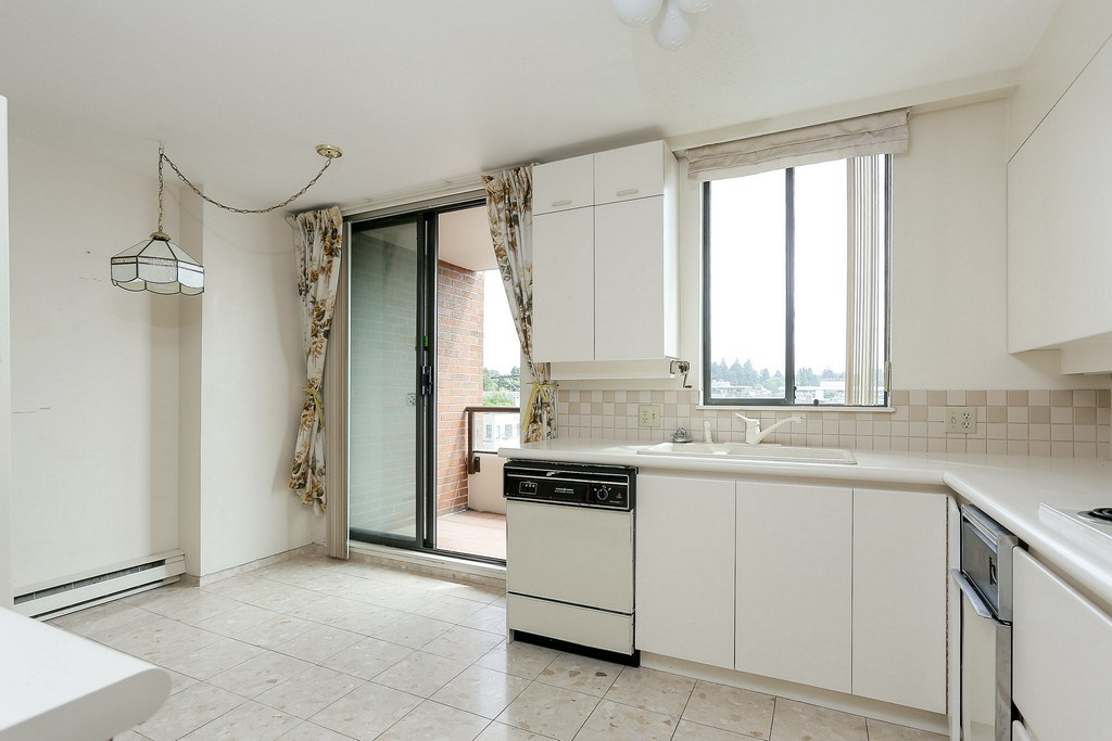 Condo Apartment at 501 2189 W 42ND AVENUE, Unit 501, Vancouver West, British Columbia. Image 8