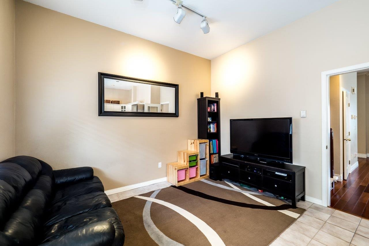 Townhouse at 6 1701 CHESTERFIELD AVENUE, Unit 6, North Vancouver, British Columbia. Image 9
