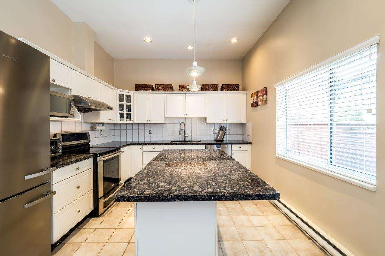 Townhouse at 6 1701 CHESTERFIELD AVENUE, Unit 6, North Vancouver, British Columbia. Image 11