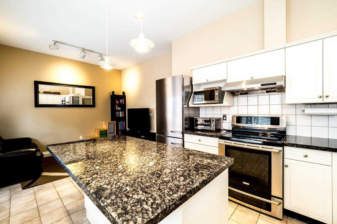 Townhouse at 6 1701 CHESTERFIELD AVENUE, Unit 6, North Vancouver, British Columbia. Image 12