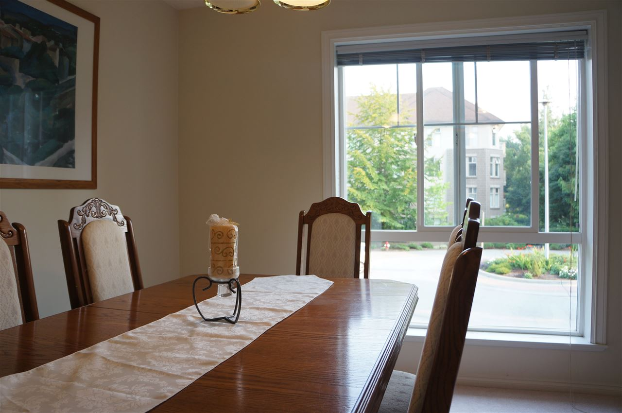 Condo Apartment at 204 15342 20 AVENUE, Unit 204, South Surrey White Rock, British Columbia. Image 5