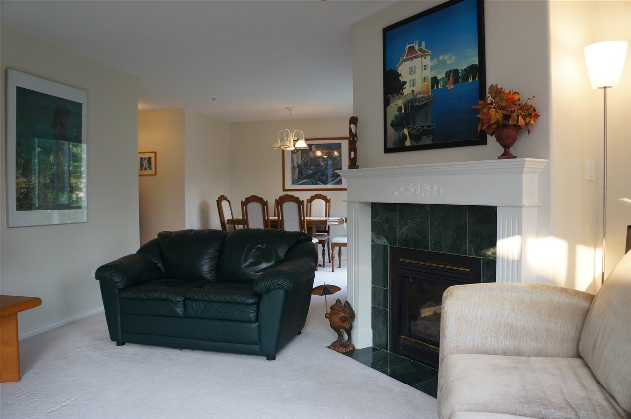 Condo Apartment at 204 15342 20 AVENUE, Unit 204, South Surrey White Rock, British Columbia. Image 8