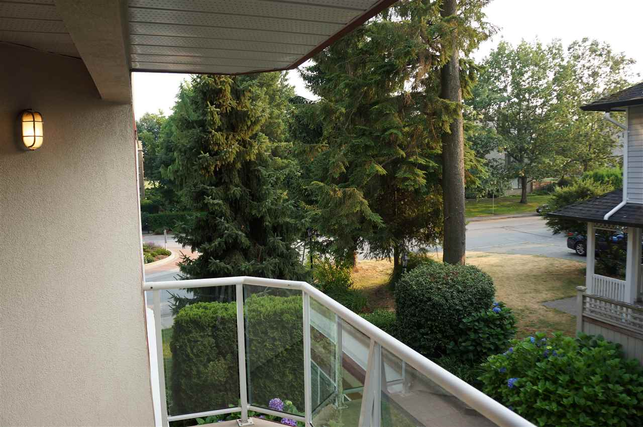 Condo Apartment at 204 15342 20 AVENUE, Unit 204, South Surrey White Rock, British Columbia. Image 12