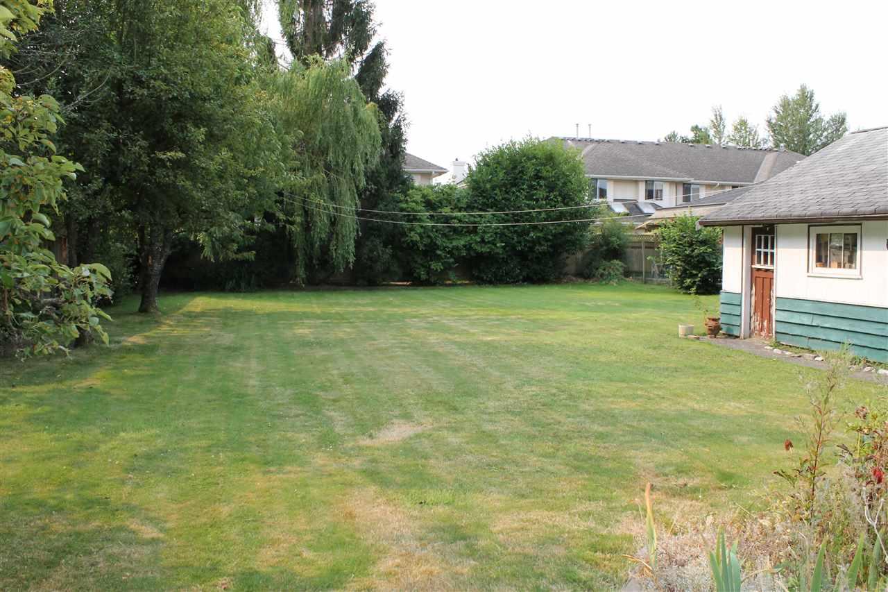Detached at 5820 FRANCIS ROAD, Richmond, British Columbia. Image 2