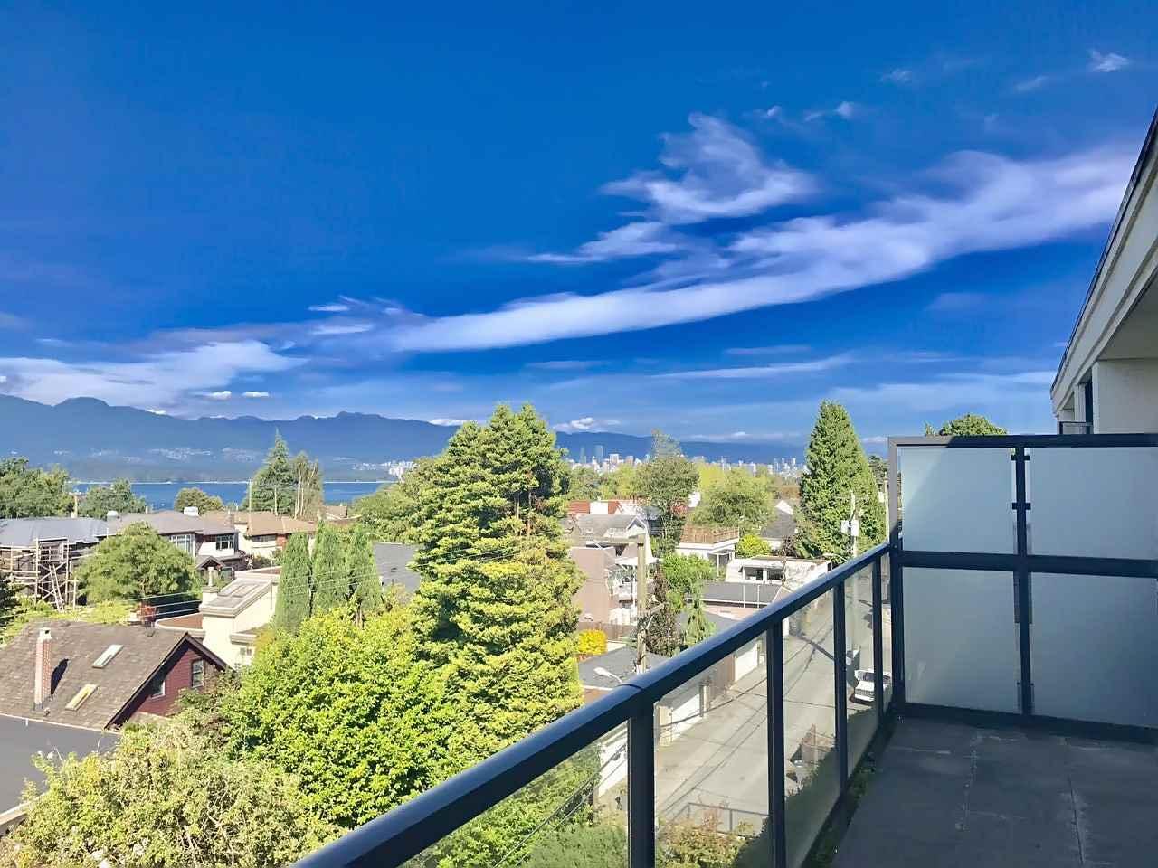 Condo Apartment at 408 4355 W 10TH AVENUE, Unit 408, Vancouver West, British Columbia. Image 3