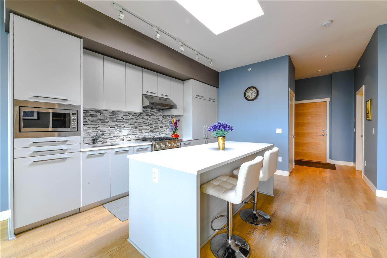 Condo Apartment at 408 4355 W 10TH AVENUE, Unit 408, Vancouver West, British Columbia. Image 4