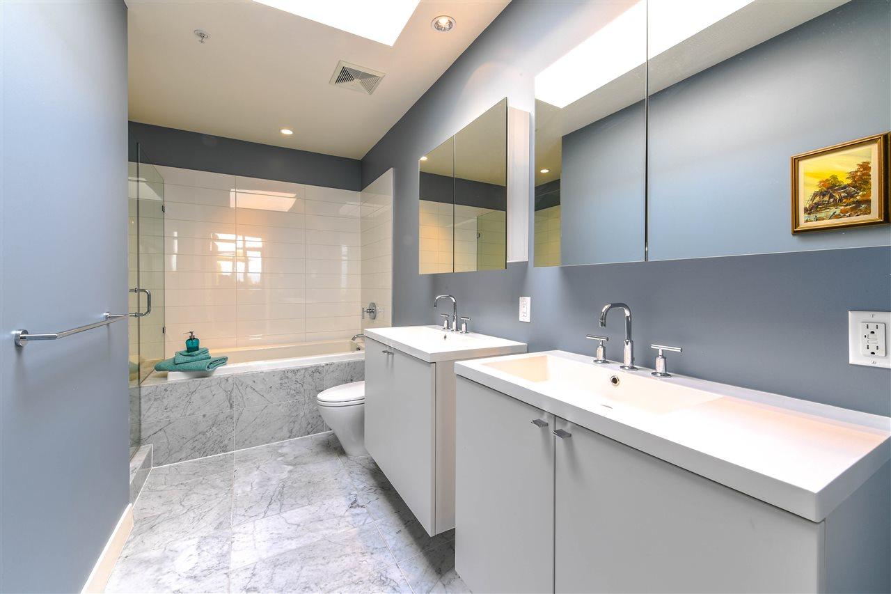 Condo Apartment at 408 4355 W 10TH AVENUE, Unit 408, Vancouver West, British Columbia. Image 7