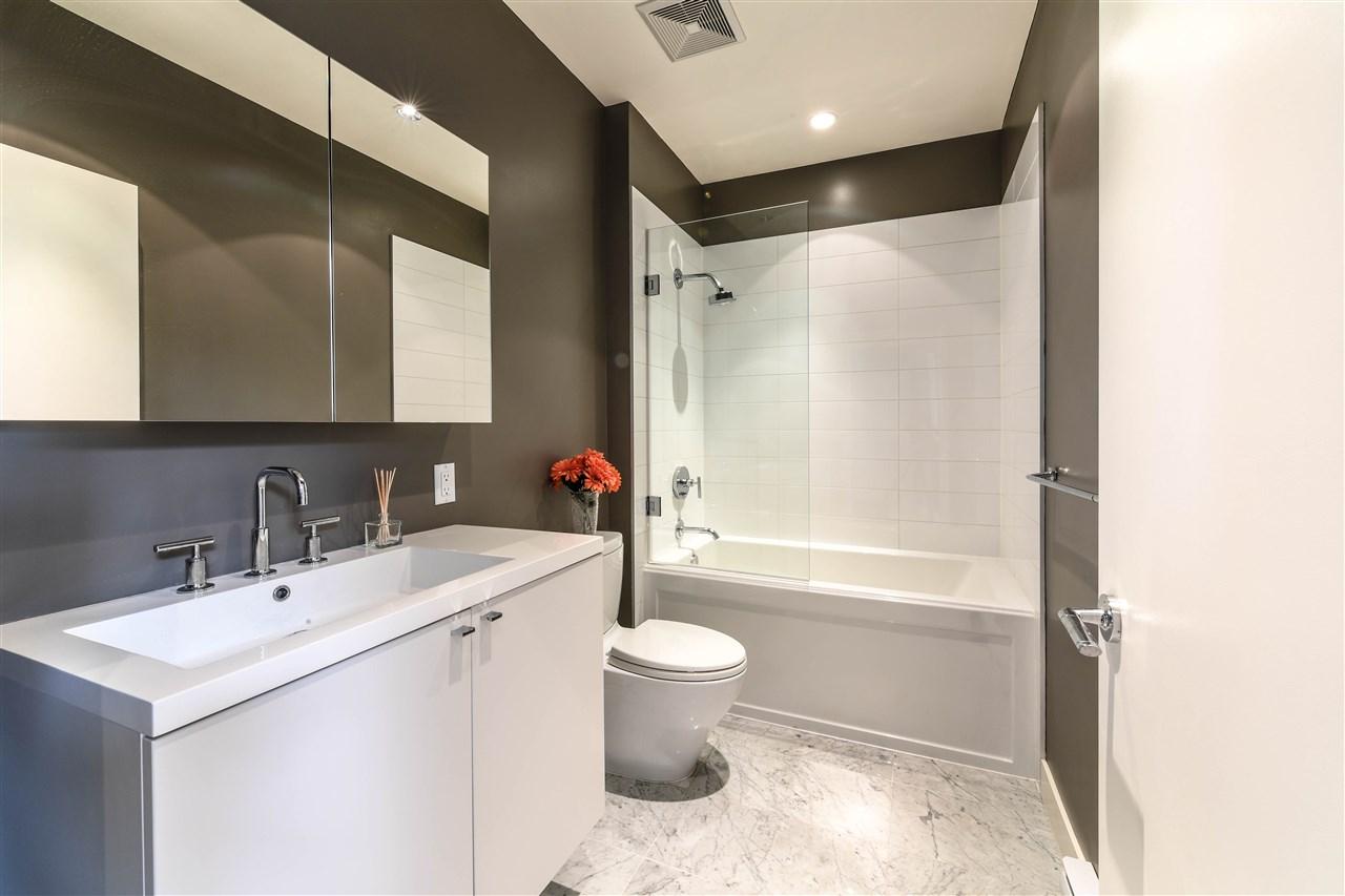 Condo Apartment at 408 4355 W 10TH AVENUE, Unit 408, Vancouver West, British Columbia. Image 10