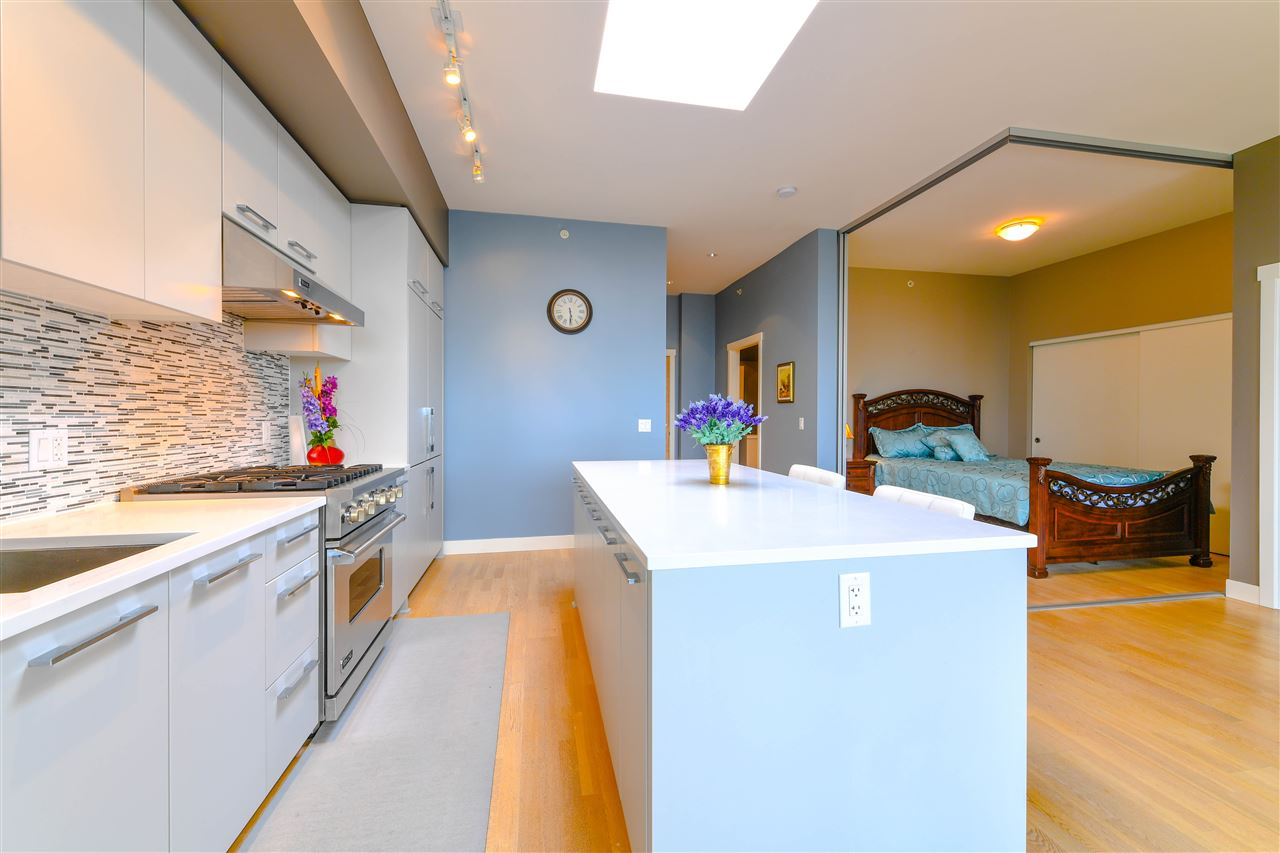 Condo Apartment at 408 4355 W 10TH AVENUE, Unit 408, Vancouver West, British Columbia. Image 15