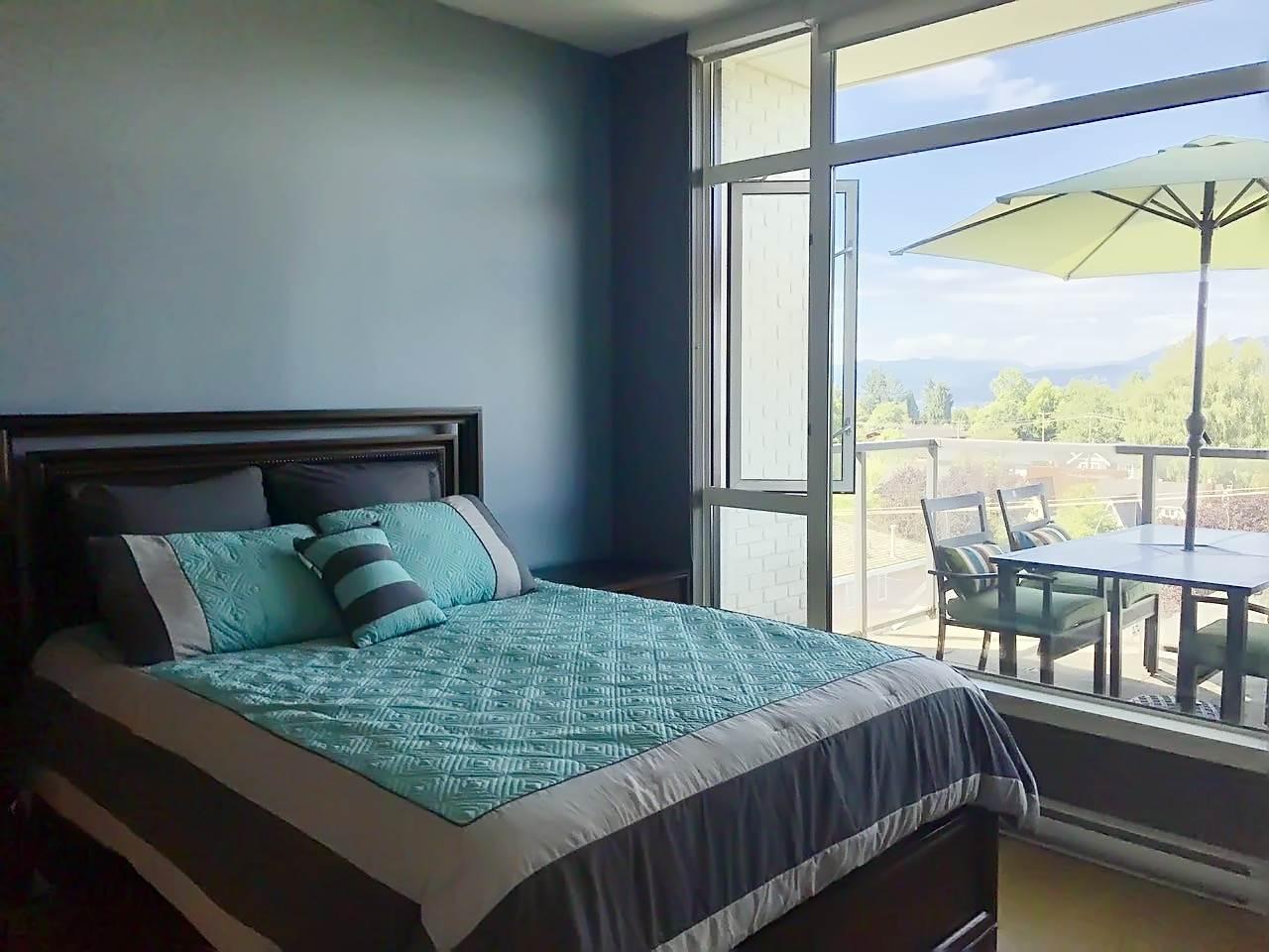 Condo Apartment at 408 4355 W 10TH AVENUE, Unit 408, Vancouver West, British Columbia. Image 17