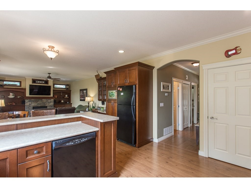 Detached at 34730 FENMO PLACE, Mission, British Columbia. Image 5