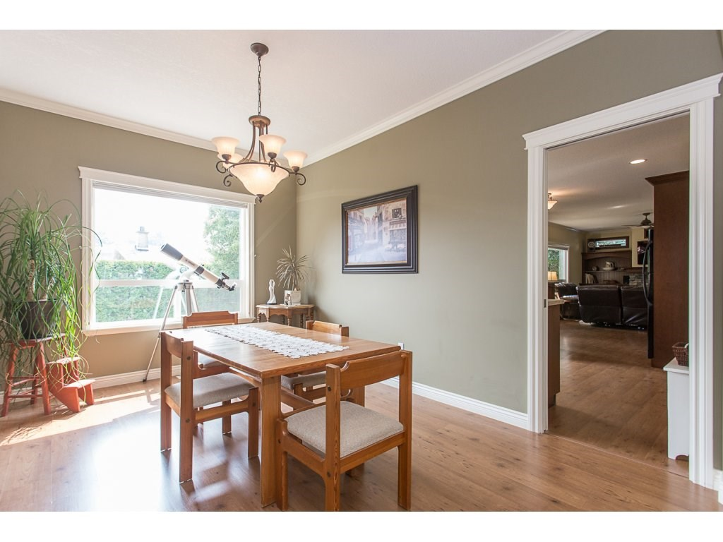 Detached at 34730 FENMO PLACE, Mission, British Columbia. Image 8