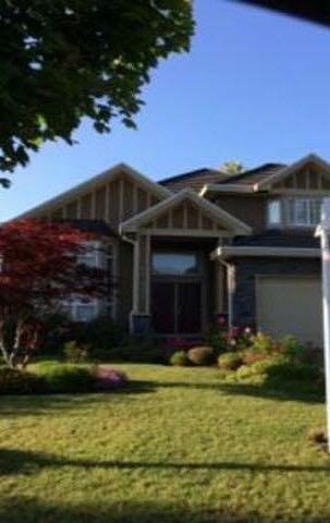 Detached at 15425 111 AVENUE, North Surrey, British Columbia. Image 1