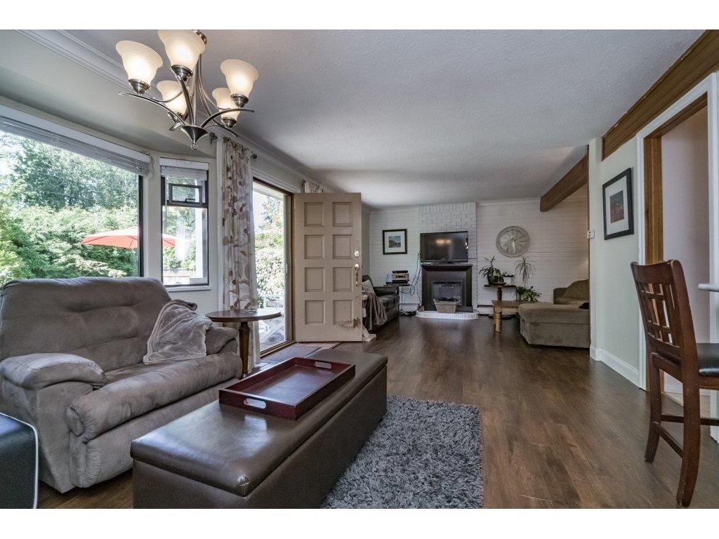 Detached at 2740 124B STREET, South Surrey White Rock, British Columbia. Image 3