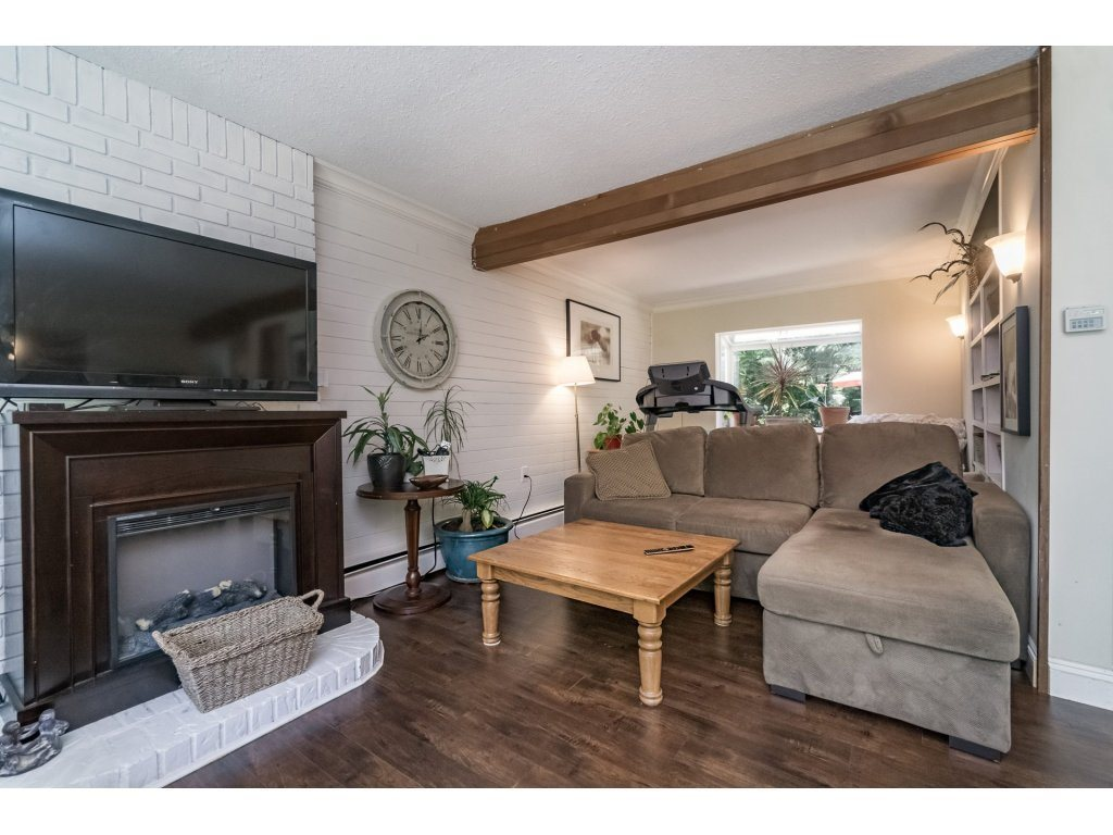 Detached at 2740 124B STREET, South Surrey White Rock, British Columbia. Image 5